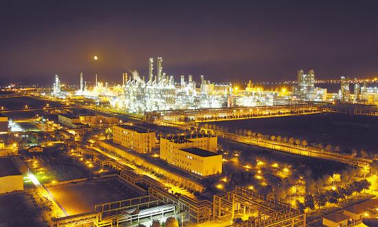 独石化高端金属聚乙烯产品试验成功 优化产品结构