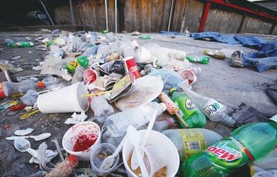 外卖餐盒包装形成围城之势威胁生态环境