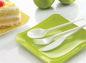 塑料餐饮具使用需谨慎