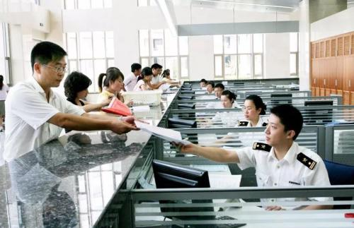 制造业向高端化转型要关注廉价劳动力