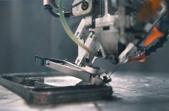 Arevo推出3D打印碳纤维一体式自行车车架和轮辋